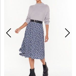 NASTY GAL Midi Floral Skirt (BRAND NEW)